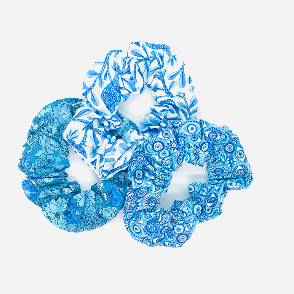 Colorful and vibrant Scrunchies with 100% cotton made by hand in Montreal by www.masqc.org