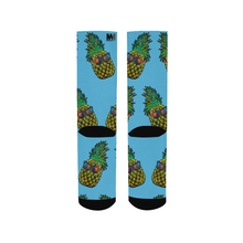Load image into Gallery viewer, Pineapple Daze Men's Socks