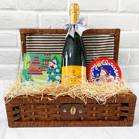 Wine Hamper - Luxury (Veuve Clicquot Champagne, Biscuits, Chocolates)