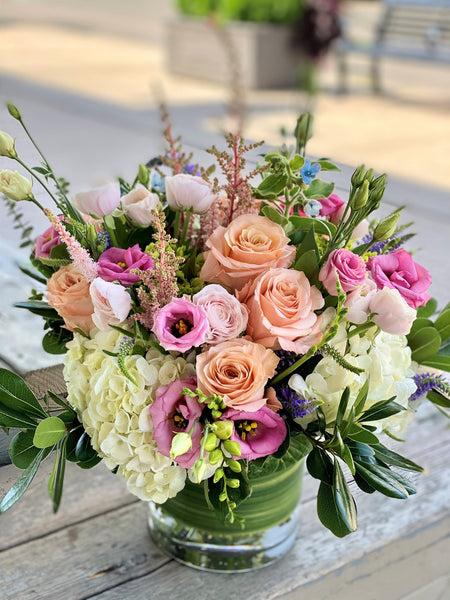 F18 - Lush Pastel English Garden Vase Arrangement