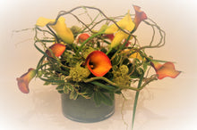 Load image into Gallery viewer, C5 - Callas Lily Arrangement - Flowerplustoronto