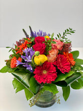 Load image into Gallery viewer, F61 - Classic Bright Coloured Vase Arrangement - Flowerplustoronto
