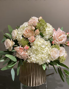 S17 - Delicate Blush Rose Arrangement - Flowerplustoronto