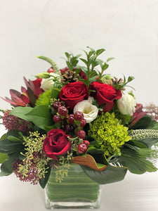 X7 - Classic Holiday Vase Arrangement - Flowerplustoronto