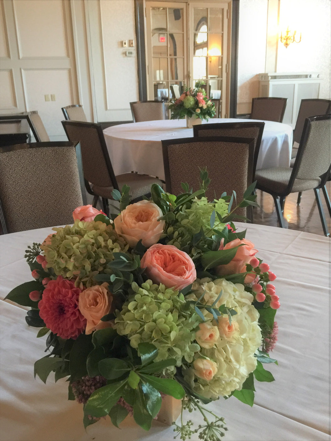E44 - Whites, Peaches, Corals and Gold Centerpiece - Flowerplustoronto