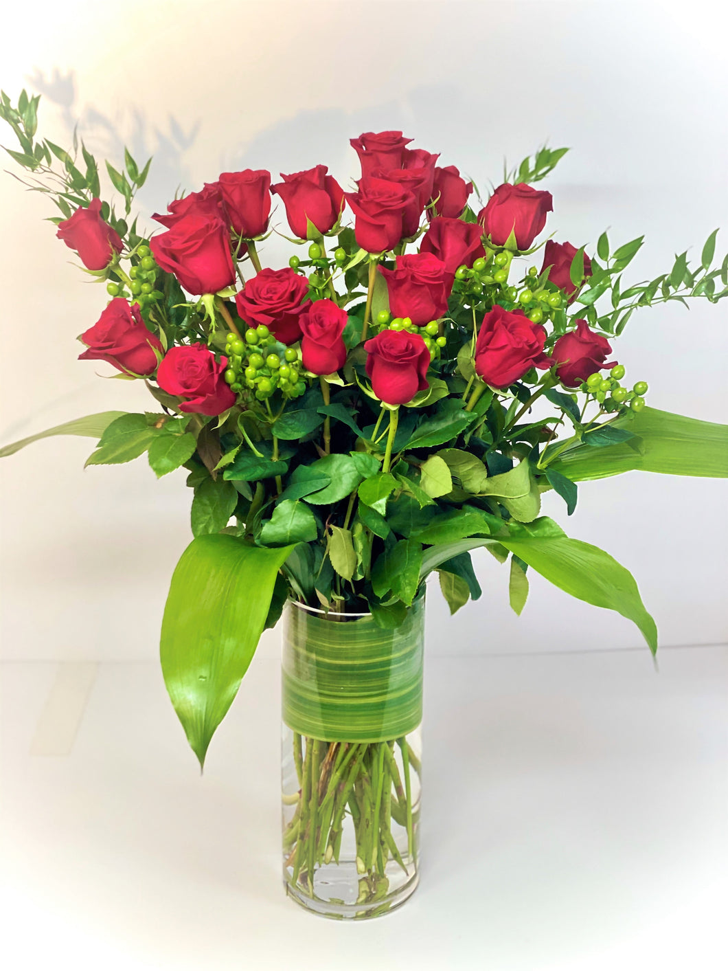 F52 - Classic Rose Arrangement (24 Roses) - Flowerplustoronto
