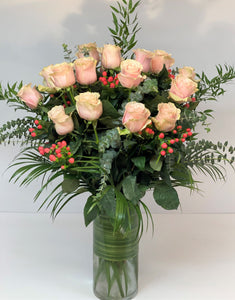 F51 - Classic Rose Arrangement (18 Roses) - Flowerplustoronto