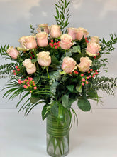 Load image into Gallery viewer, F51 - Classic Rose Arrangement (18 Roses) - Flowerplustoronto