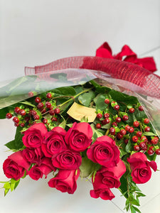 V3 - Classic Long Stem Rose Bouquet (12 Roses) - Flowerplustoronto
