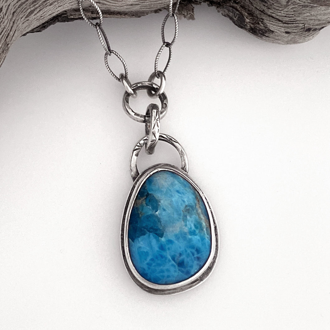 sterling silver apatite gemstone cabochon necklace  handcrafted