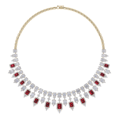 Elegant diamond Necklace in yellow gold with white and red diamonds of 26.79 ct in weight