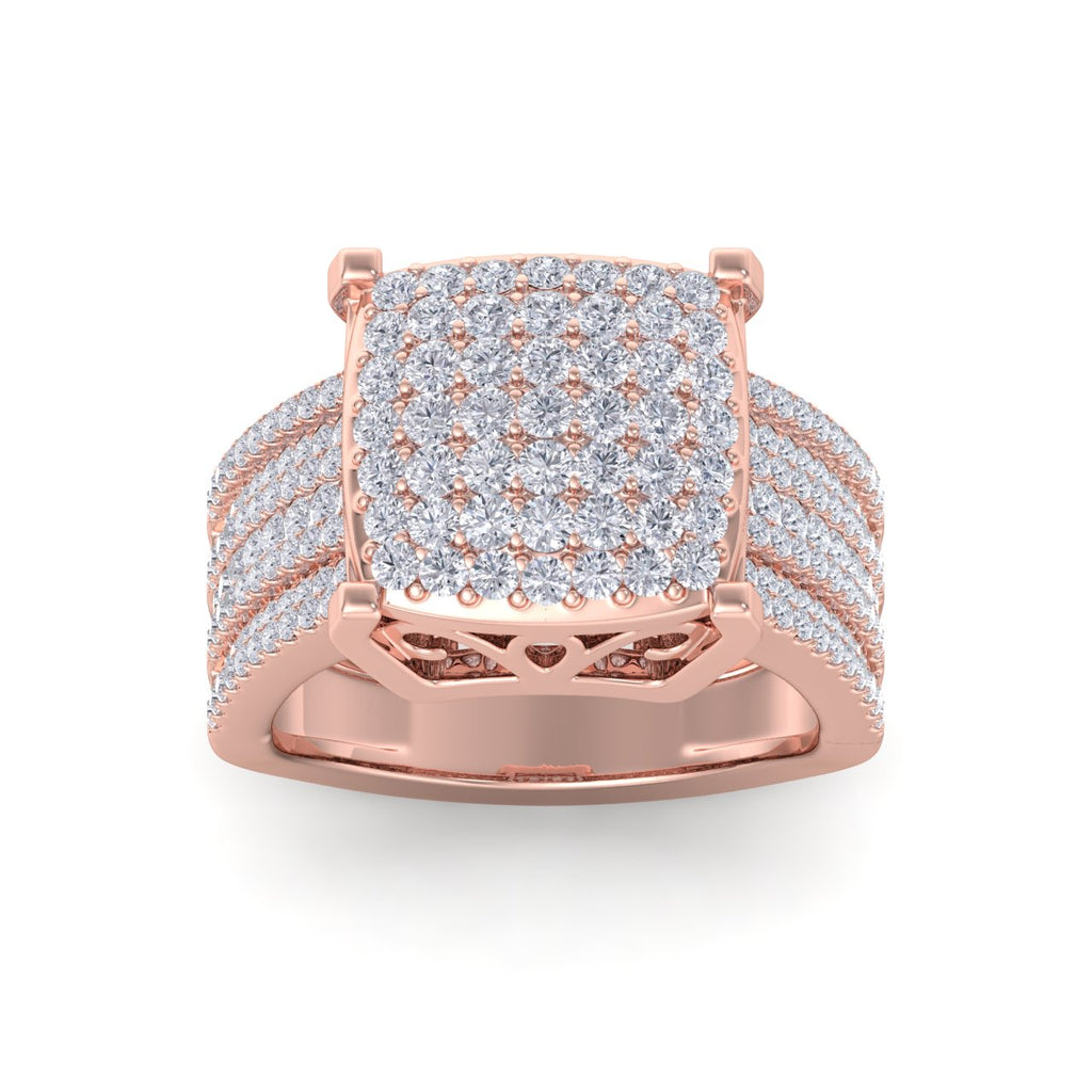 Square cluster ring in rose gold with white diamonds of 1.36 ct in weight