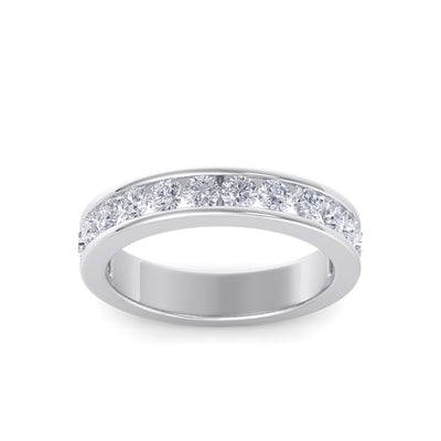 Classic Wedding band in white gold with white diamonds of 1.01 ct in weight