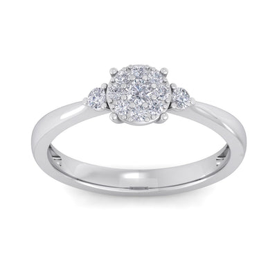Elegant diamond ring in white gold with white diamonds of 0.33 ct in weight
