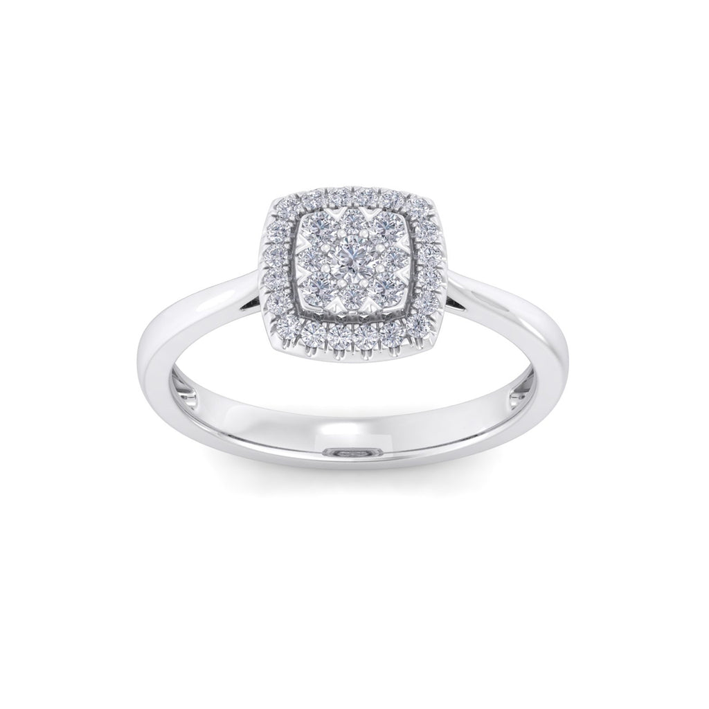 Classic square ring in white gold with white diamonds of 0.31 ct in weight
