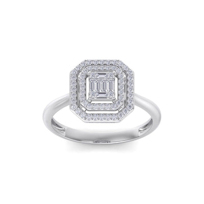 Square diamond ring in white gold with white diamonds of 0.28 ct in weight