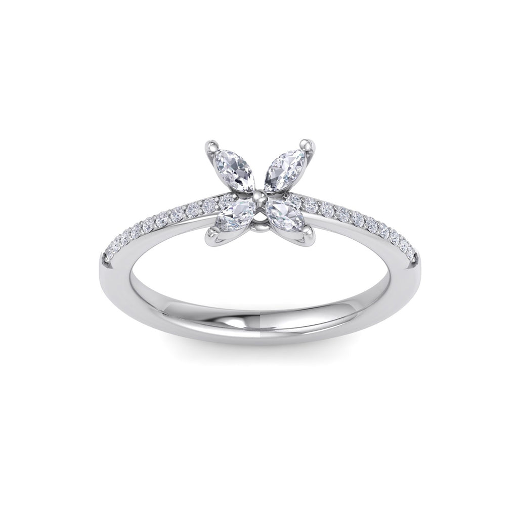 Flower ring in white gold with white diamonds of 0.60 ct in weight