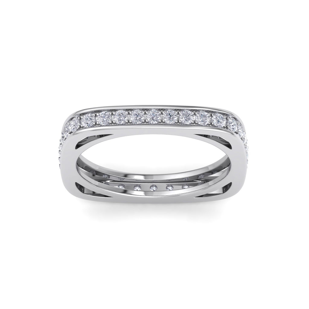 Square ring in white gold with white diamonds of 0.58 ct in weight