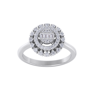 Round cluster ring in white gold with white diamonds of 0.37 ct in weight