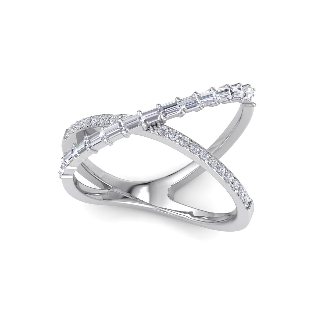 Ring in white gold with white diamonds of 0.46 ct in weight