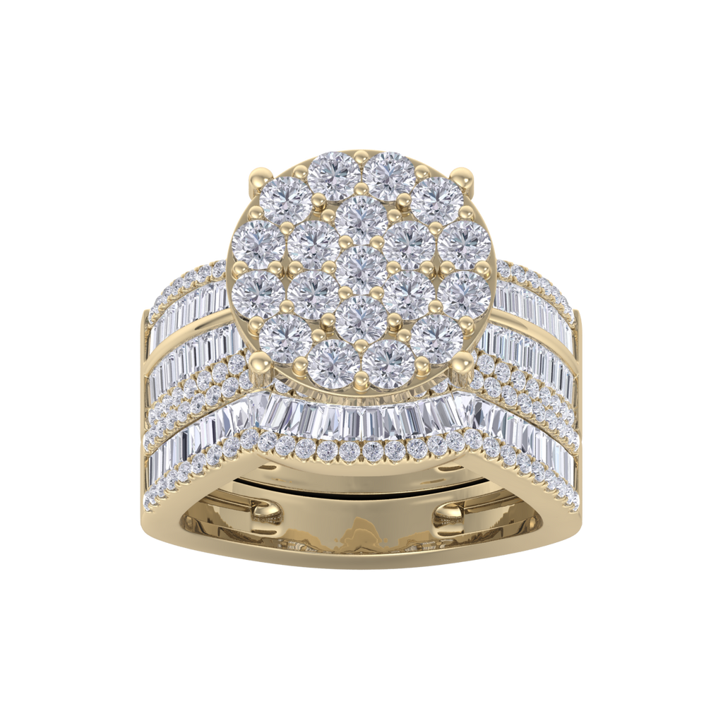Beautiful Diamond ring in yellow gold with white diamonds of 2.74 ct in weight