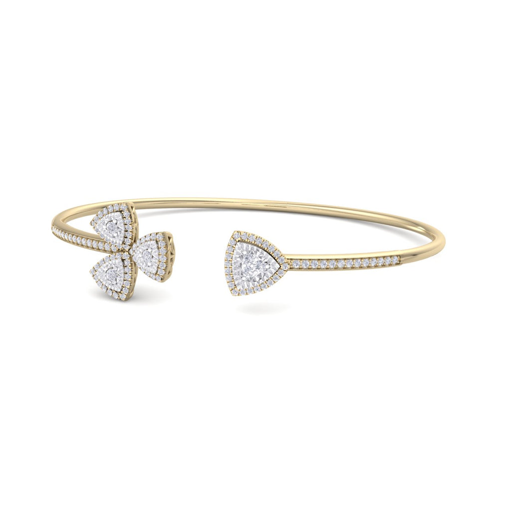 Bangle in yellow gold with white diamonds of 0.53 ct in weight