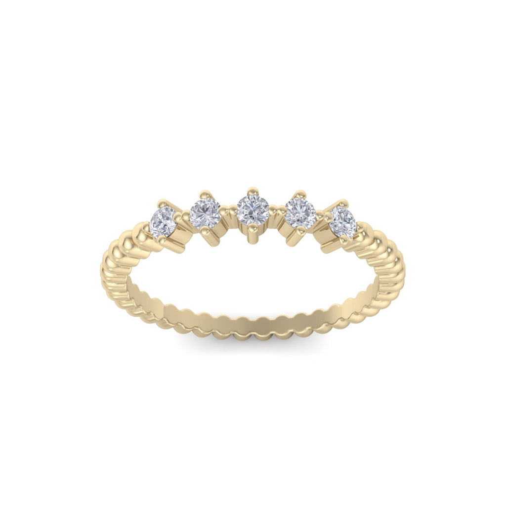 Five stone ring in yellow gold with white diamonds of 0.20 ct in weight