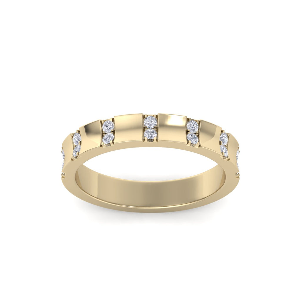 Diamond ring in yellow gold with white diamonds of 0.21 ct in weight
