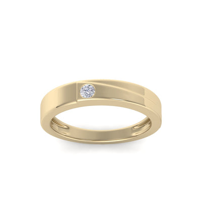 Wedding band in yellow gold with white diamonds of 0.06 ct in weight