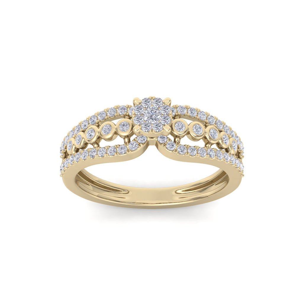 Vintage solitaire engagement ring in yellow gold with white diamonds of 0.38 ct in weight
