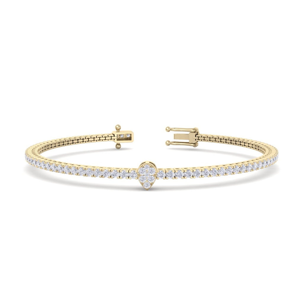Tennis bracelet with center piece in yellow gold with white diamonds of 1.77 ct in weight