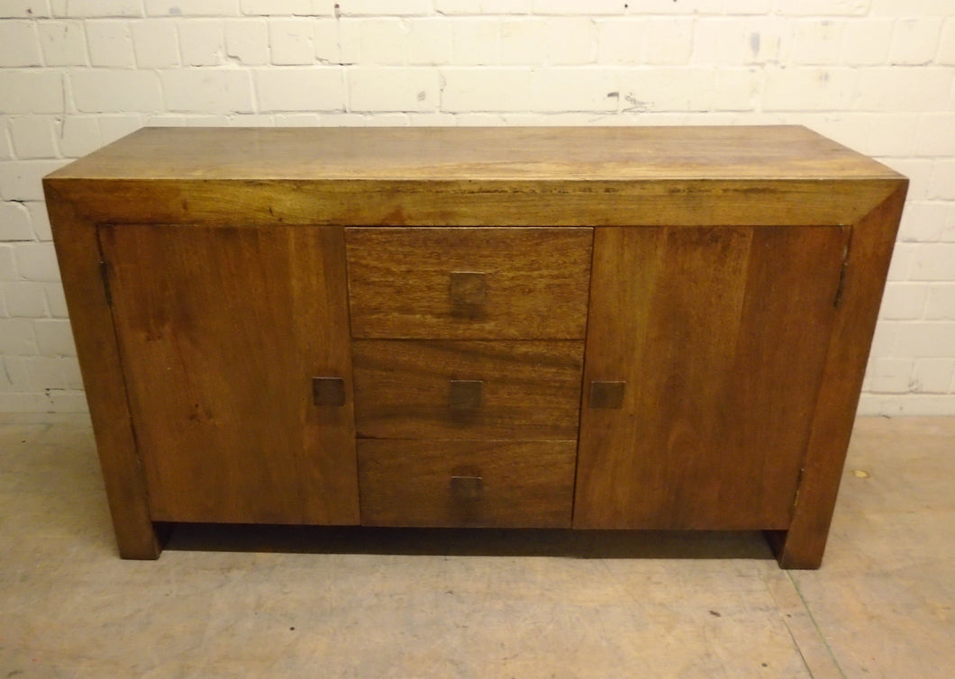 Solid Wood Sideboard Cabinet With 3 Drawers, 2 Cupboards - 171220-02