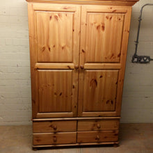 Load image into Gallery viewer, Richmond Solid Wood Wide 2 Door 4 Drawer Wardrobe