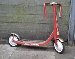 Vintage Retro Red Radio Flyer Child's Scooter