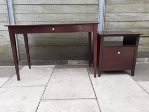 Desk with separate drawer unit included
