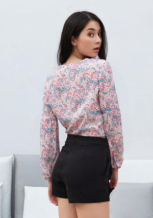 Load image into Gallery viewer, Ohayo เสื้อลายดอกไม้แขนพอง | Floral Print Blouse with Puff Sleeves (5164452544652)
