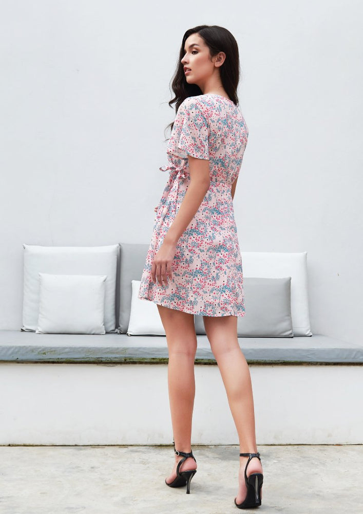 Load image into Gallery viewer, Ohayo เดรสลายดอกไม้ผูกโบว์ที่เอว | Floral Dress with Bow Waist (5170344362124)