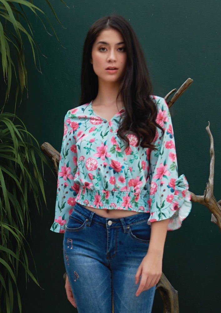 Load image into Gallery viewer, Ohayo เสื้อลายดอกไม้สม๊อคเอว | Floral Print Blouse with Elastic Waist (5120343539852)