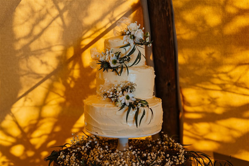 5 Wedding Cake Traditions and Meanings