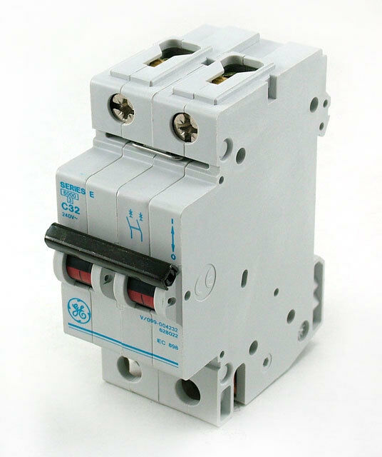 GE Series E6000 C32 240V Miniature Circuit Breaker V/099-004232