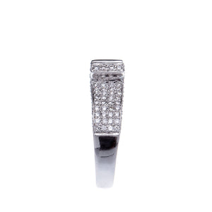 18Kt White Gold Stunning Baguette Engagement Ring