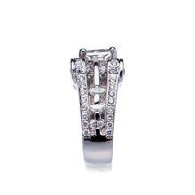Load image into Gallery viewer, Beautiful Princess Cut Diamond Platinum Engagement Ring