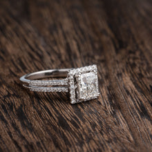 Load image into Gallery viewer, Stunning 1.5 Carat Princess Cut Diamond Engagement Ring