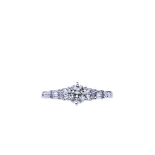 Load image into Gallery viewer, Beautiful and Elegant 0.60 CTW Round Brilliant Engagement Ring