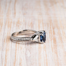 Load image into Gallery viewer, Exceptional Blue Sapphire Gemstone Ring
