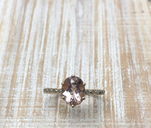 Load image into Gallery viewer, Beautiful Morganite and Diamond Ring