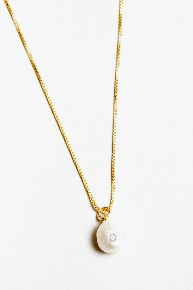 CLEMENTINE NECKLACE / FRESHWATER PEARL / GOLD FILLED