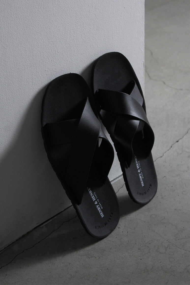 CROSS PVC SANDALS / BLACK