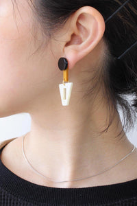 DIPO CREME BRASS AND ACETATE EARRINGS / CREME