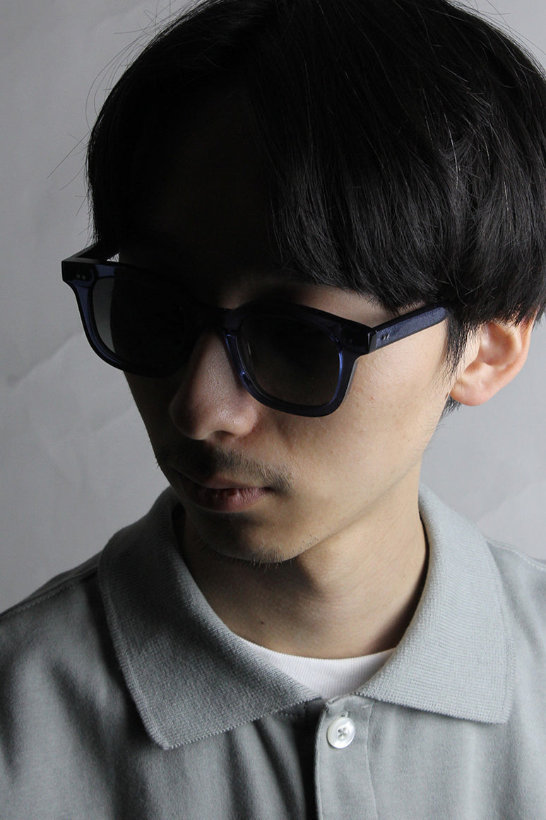 04 SQUARE SUNGLASSES / BLUE